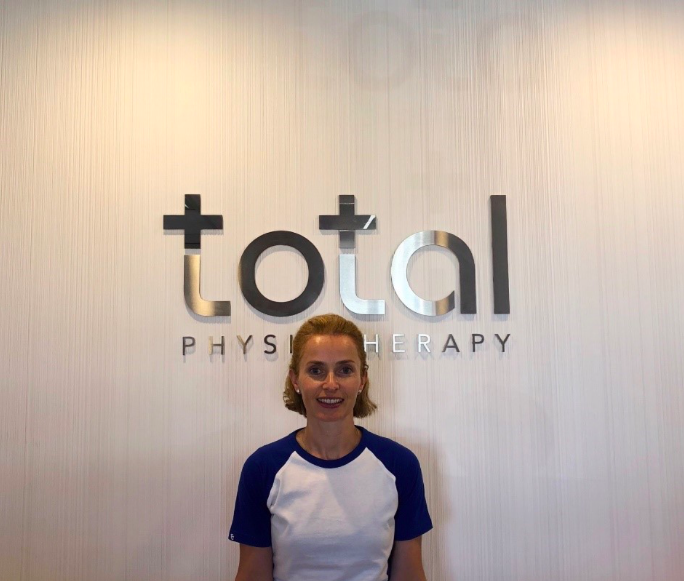 Mairi Thompson<br/> (B.Sc.(Sport & Exercise), Dip. Sport & Remedial Massage, Polestar Pilates Instructor)<br/>+Massage Therapist